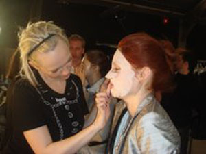 backstage-at-rag-and-bone-model