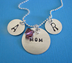 mothers-day-2010-juliethefish-necklace-designs-250